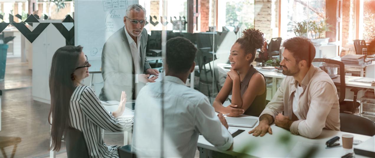 LEED試験を更新するための対象分野の専門家としての役割を果たす